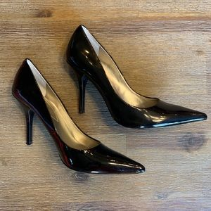 Guess WGPrentice3 Black Patent Pointy Toe Heels